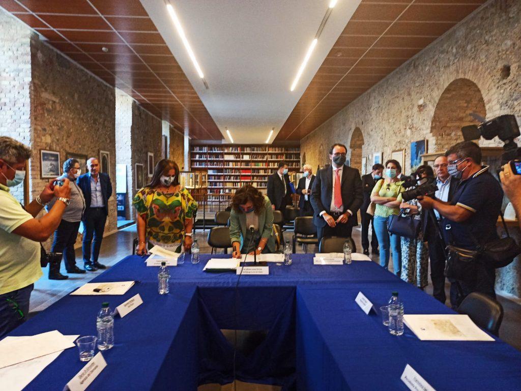 CIS COSENZA: Accordo sottoscritto. 90 Milioni di euro per il Centro Storico